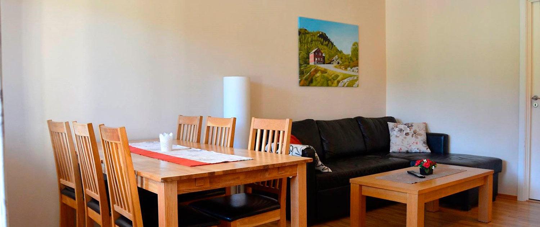 Stue og spisebord